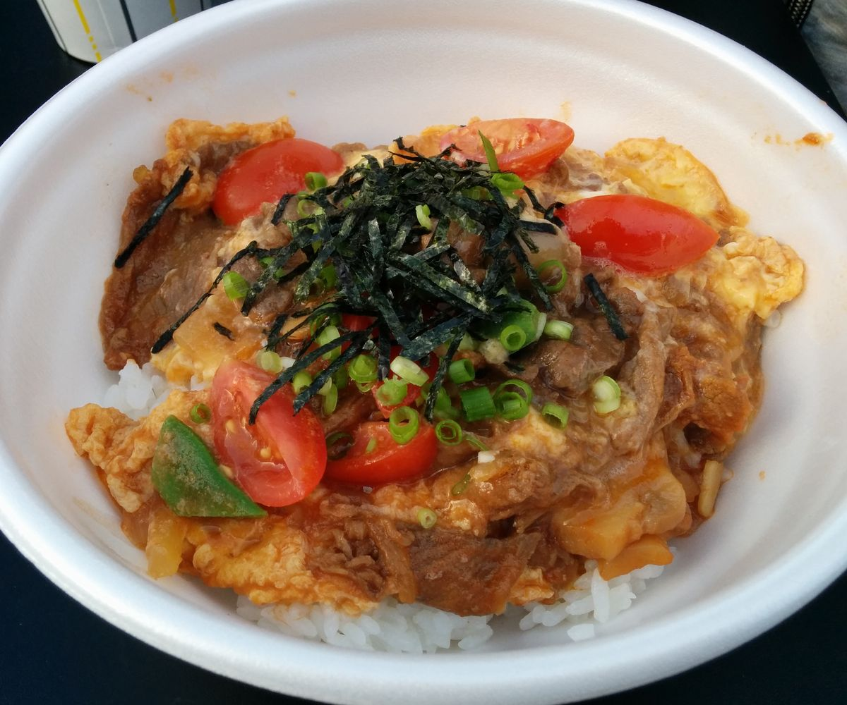 北海道ホテルの洋風牛丼